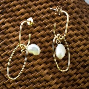 Bare Moon The Label Jewelry - Bare Moon Nusa Beach Abstract Pearl Earrings